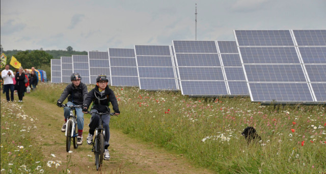 IREC Joins DOE and Other Stakeholders to Shape Community Solar Future